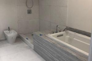 Luxury White, Stoneline Group Is marble collections Marble. Luxury White in Tile Collection is marble category. This Categories useable in Kitchen Design, Bathroom Design, Shower Design, Floor Design, Interior Wall Design and interior wall design.