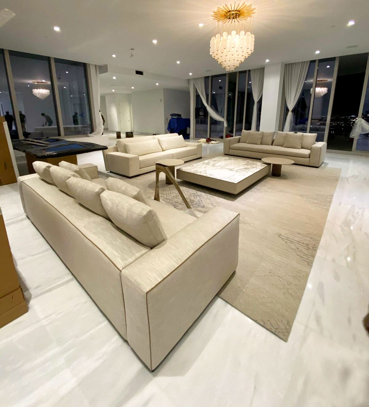 Stoneline-Group-Tile-Collection-Marble-Tiles-Dione-White-livingroom-floor-performance-picture
