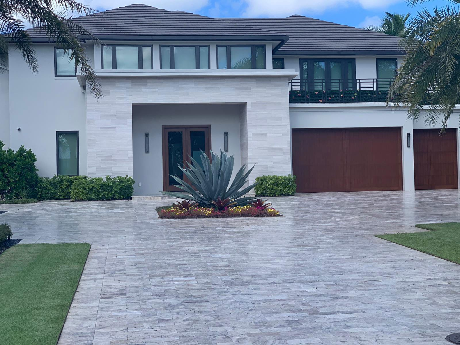 Stoneline-Group-Silver-Travertine-Marble-Collection-Marble-Paver-walkway-driveway-design-Pictures