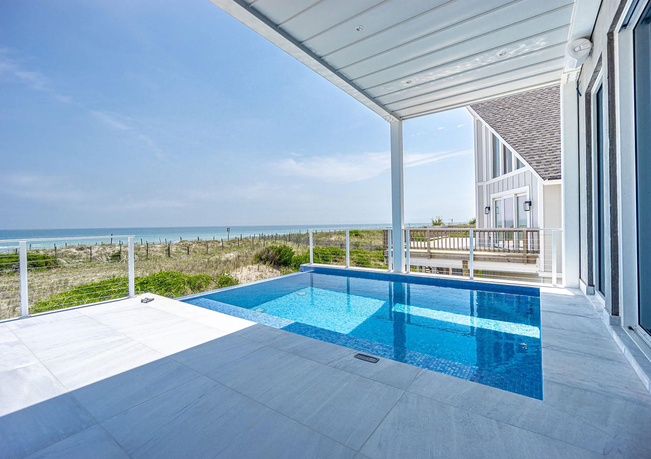 Stoneline-Group-Ice-White-Marble-Florida-Marble-Collection-Marble-Tumbled-Tile-Living-Room-Interior-Balcony-Pool-Marble-Design-Pictures
